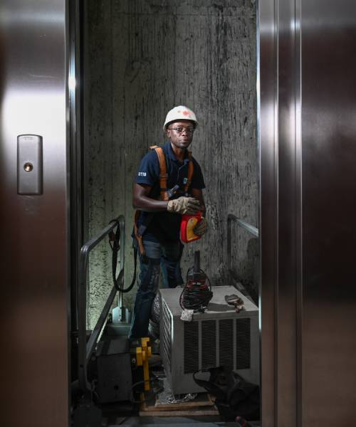 installation and maintenance lift